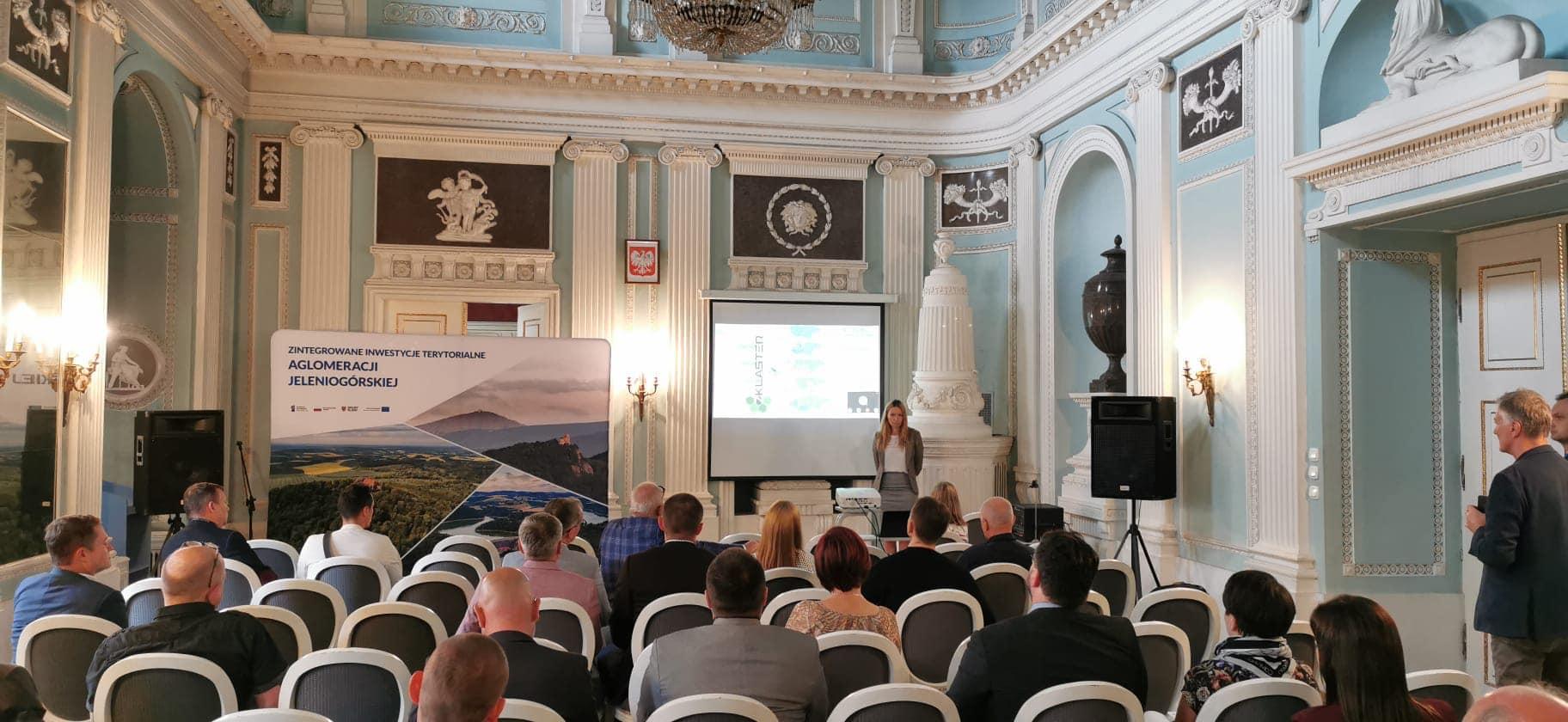 """W Jeleniej Górze odbył się panel """"Perspektywy rozwoju klastrów energii na obszarze Aglomeracji Jeleniogórskiej"""""""